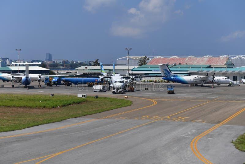 HOMEM, MALDIVAS - 11 de fevereiro de 2018 - aeroporto internacional masculino de maldives fotografia de stock
