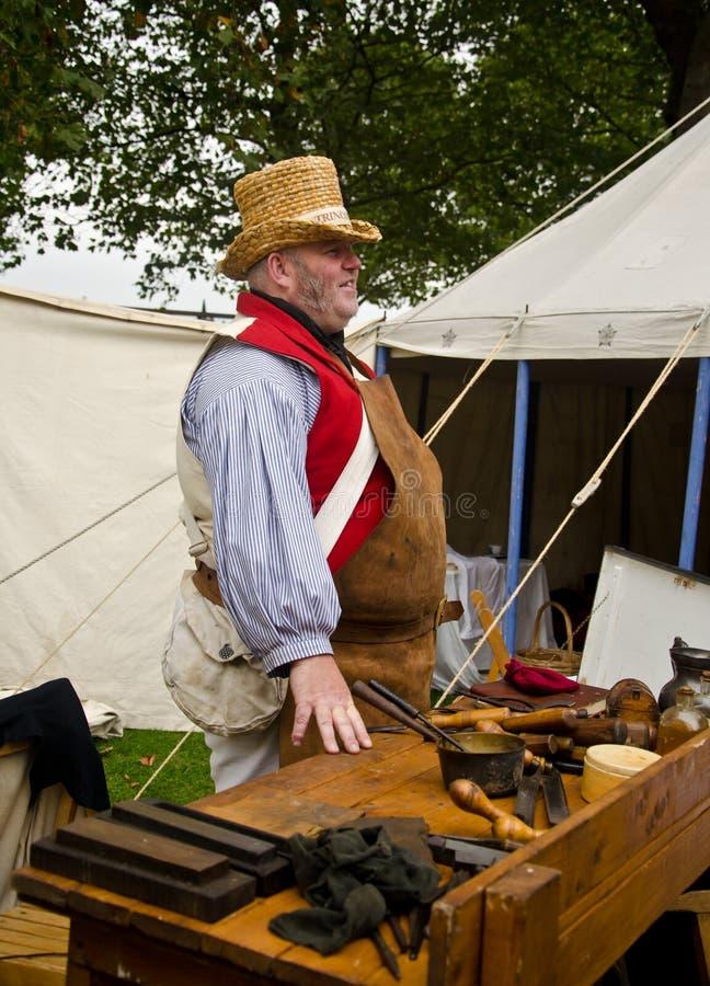 Homem medieval no trabalho foto de stock