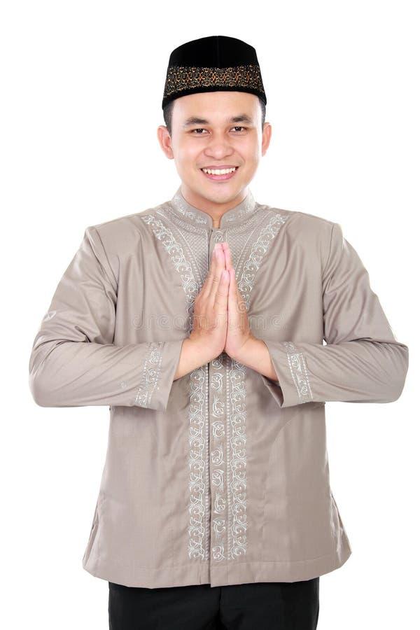Homem muçulmano novo alegre imagem de stock royalty free