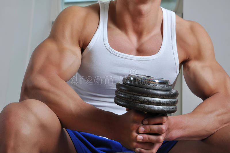 Homem muscular poderoso fotos de stock royalty free