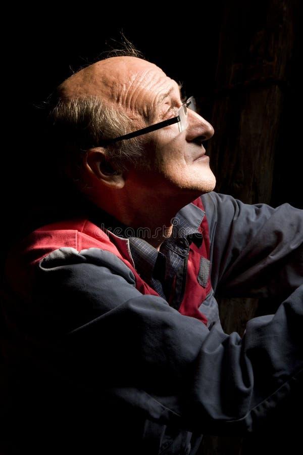 Homem na luz imagens de stock