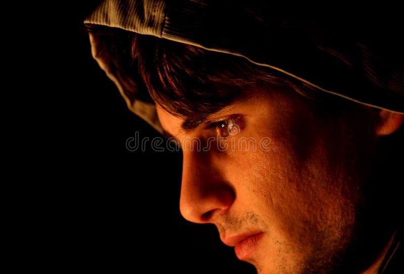 Homem nas sombras foto de stock