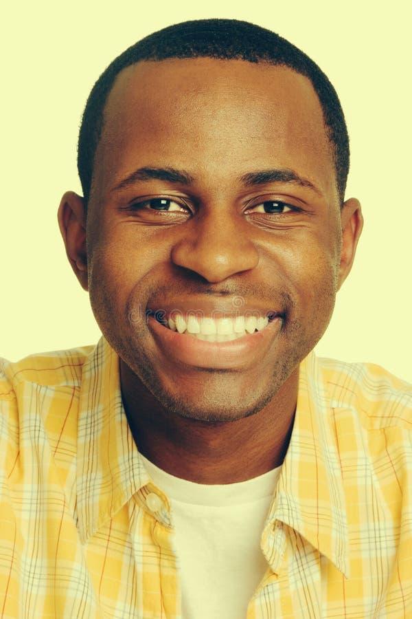 Homem negro feliz imagem de stock