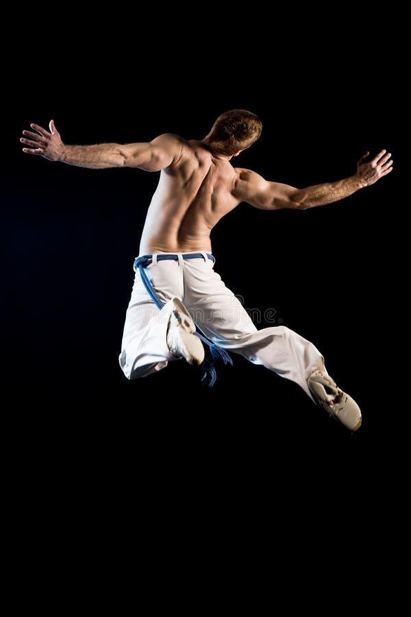 Homem no ar - salto foto de stock royalty free