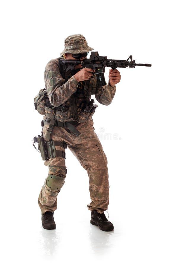 Homem no equipamento militar do soldado americano no tempos modernos foto de stock