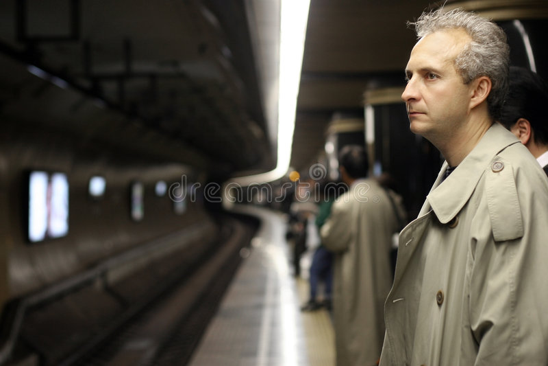 Homem no metro foto de stock
