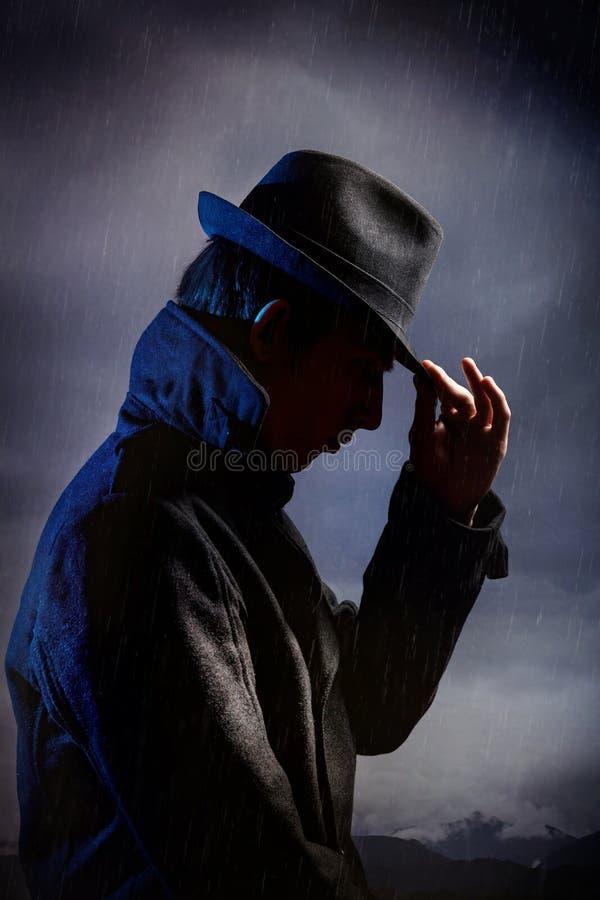 Homem no preto imagens de stock royalty free