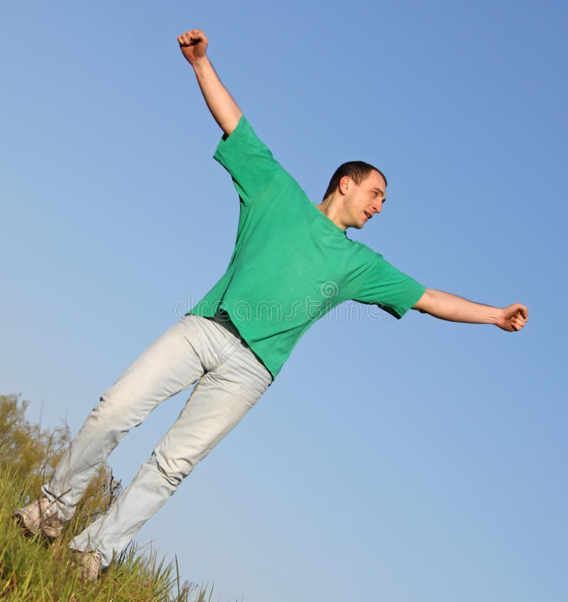 Homem no t-shirt verde imagem de stock royalty free