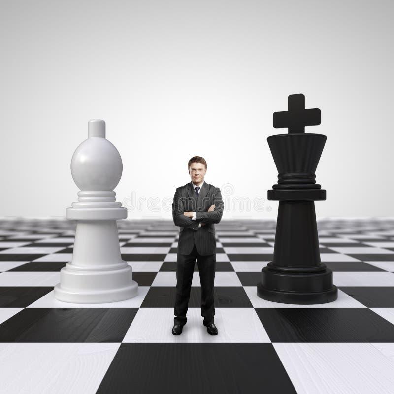 Homem no tabuleiro de xadrez foto de stock royalty free