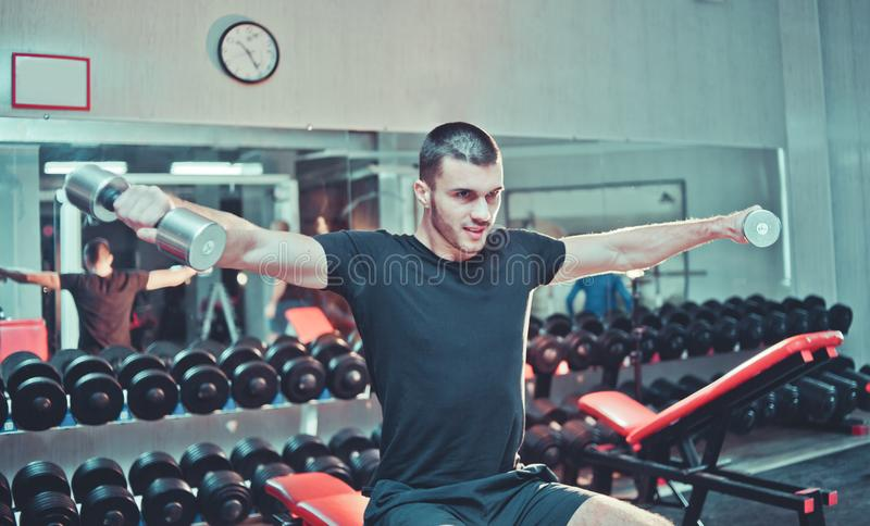 Homem novo atlético imagem de stock
