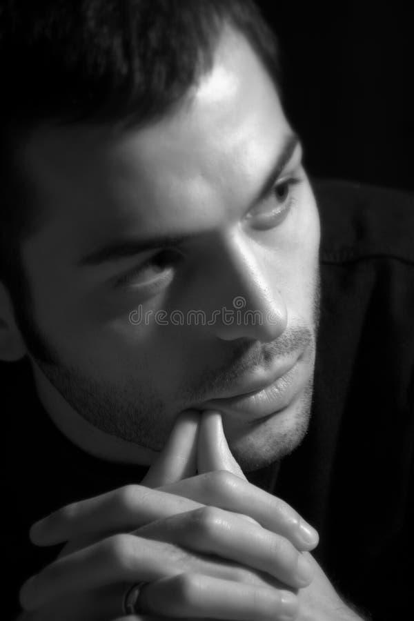 Homem novo/conceito da dúvida e do interesse imagens de stock