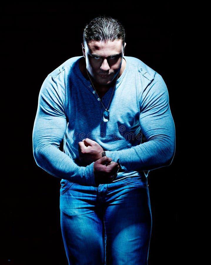 Homem novo muscular considerável imagens de stock royalty free