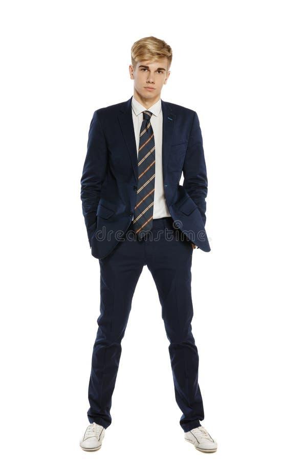 Homem novo no terno imagem de stock