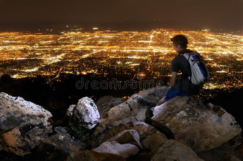 Homem novo que negligencia Salt Lake City imagem de stock royalty free