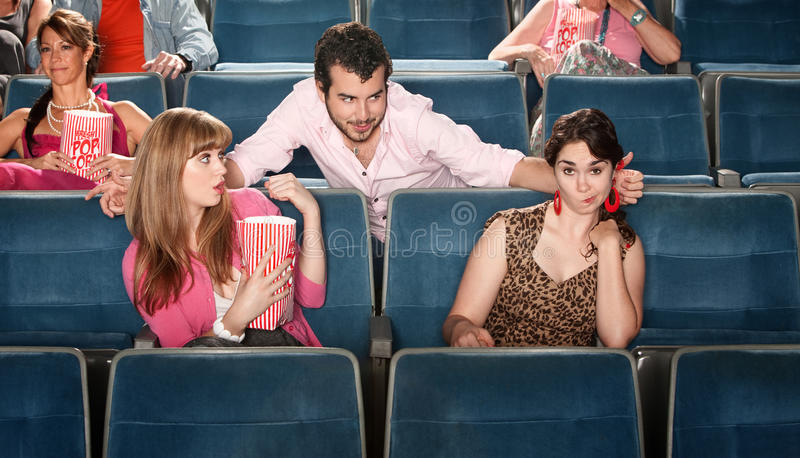 Homem obnóxio no teatro imagem de stock
