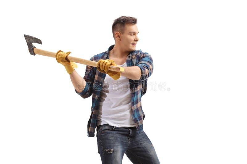 Homem ocasional com um machado imagens de stock
