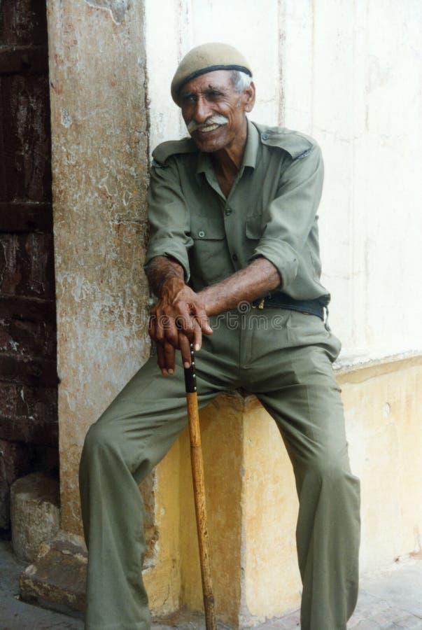 Homem orgulhoso idoso no uniforme foto de stock royalty free
