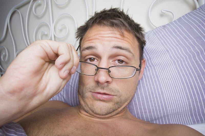 Homem que acorda imagens de stock royalty free