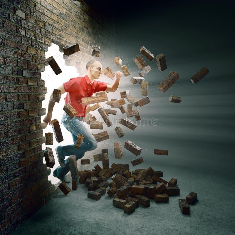 Homem que corre através de uma parede de tijolo ilustração do vetor