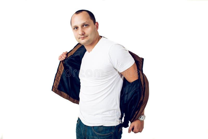 Download Homem Que Levanta No Estúdio Imagem de Stock - Imagem de forma, fresco: 65575273