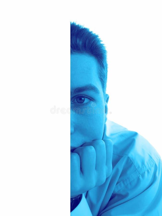 Homem que pensa, close up fotos de stock