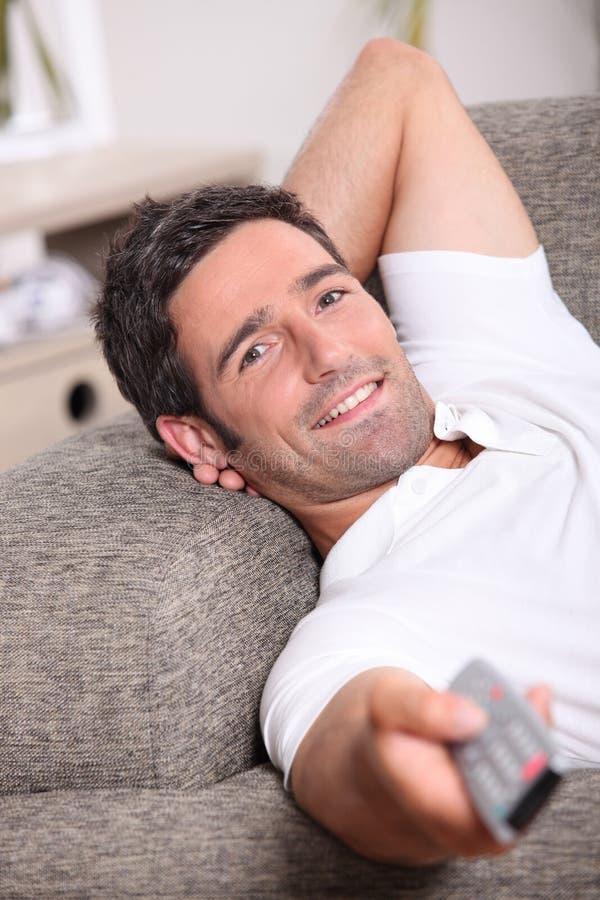 Download Homem que relaxa foto de stock. Imagem de quarto, home - 26503406