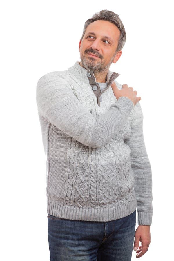 Homem que toca no ombro como o conceito do retrato foto de stock royalty free