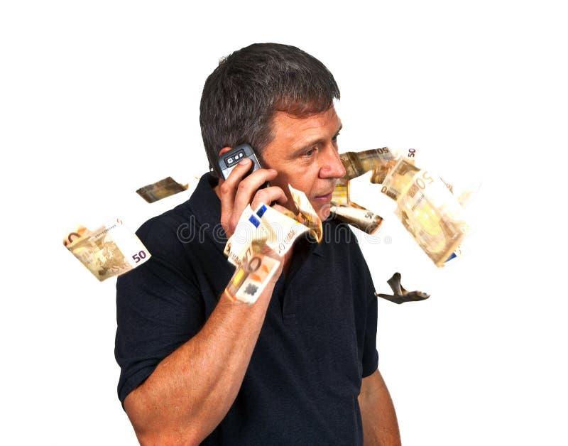 Homem que usa o móbil imagem de stock