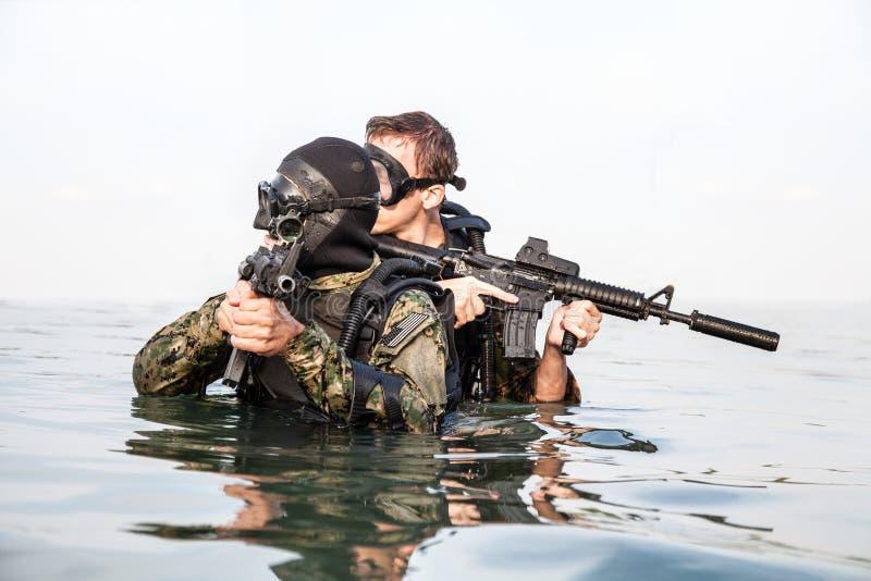 Homem-rãs do SELO da marinha fotografia de stock