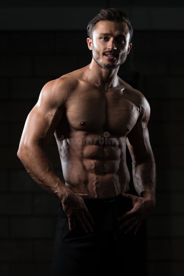 Homem saudável com seis blocos fotos de stock royalty free