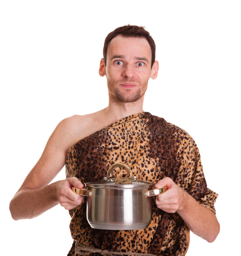 Homem selvagem com alimento cozido em uma bandeja do guisado foto de stock
