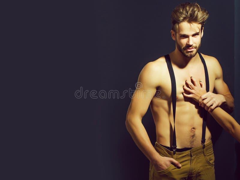 Homem 'sexy' muscular considerável imagens de stock