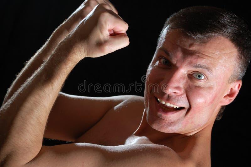 Homem Sportive que exersicing imagem de stock royalty free