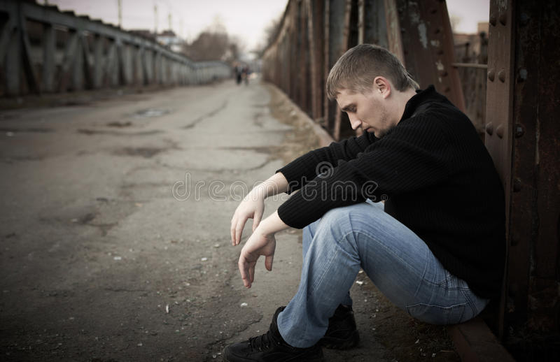 Homem triste foto de stock