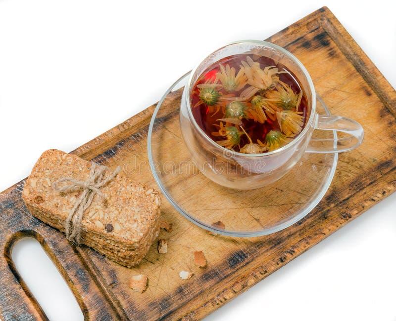 Homemade crackers med frön och te fotografering för bildbyråer