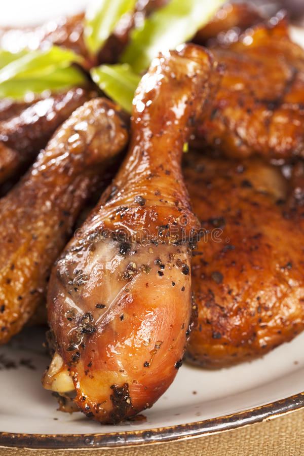 Free Homemade Smoked Chicken Drumstick On A Plate Royalty Free Stock Images - 14927549