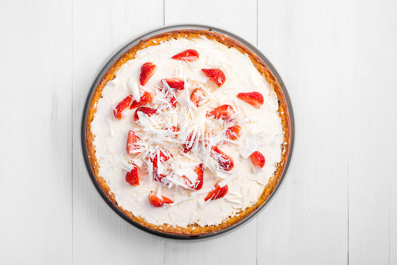 Homemade Strawberry Cheesecake. With White Chocolate stock photography