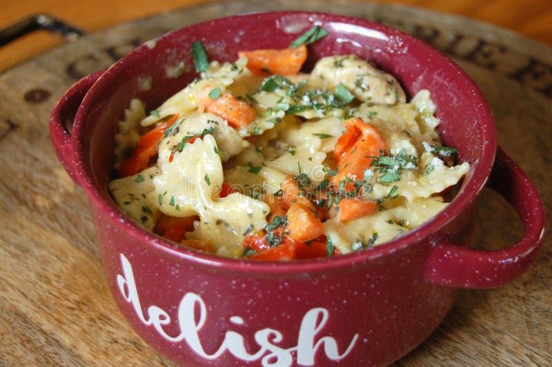 Homemade Vegan Pasta Carrot Meal royaltyfria foton
