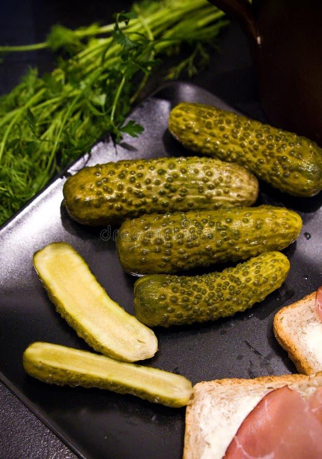 Homemage todavía conservó en vinagre la foto de la comida de la vida de los pepinos foto de archivo