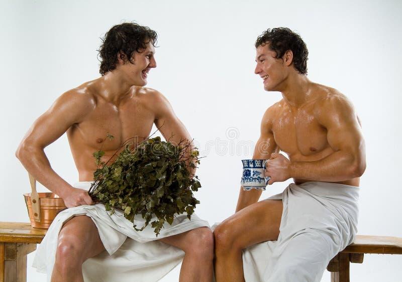 Homens após o banho foto de stock