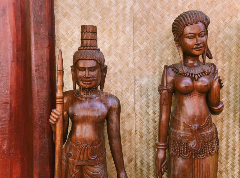 Homens e mulheres étnicos da estatueta de 3Sudeste Asiático fotos de stock