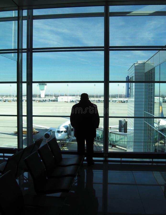 Homens no aeroporto fotos de stock royalty free