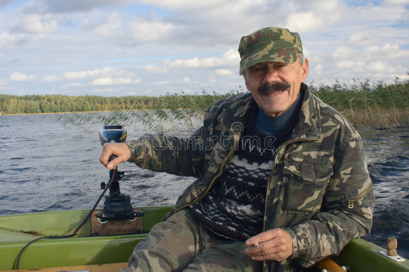 Homens no motorboat foto de stock royalty free