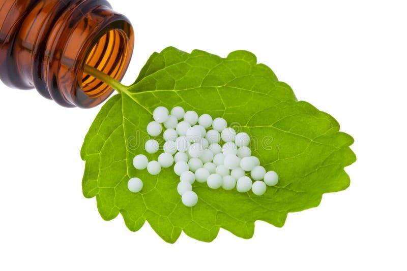 Homeopathie. Druppeltjes als alternatieve geneeskunde royalty-vrije stock fotografie