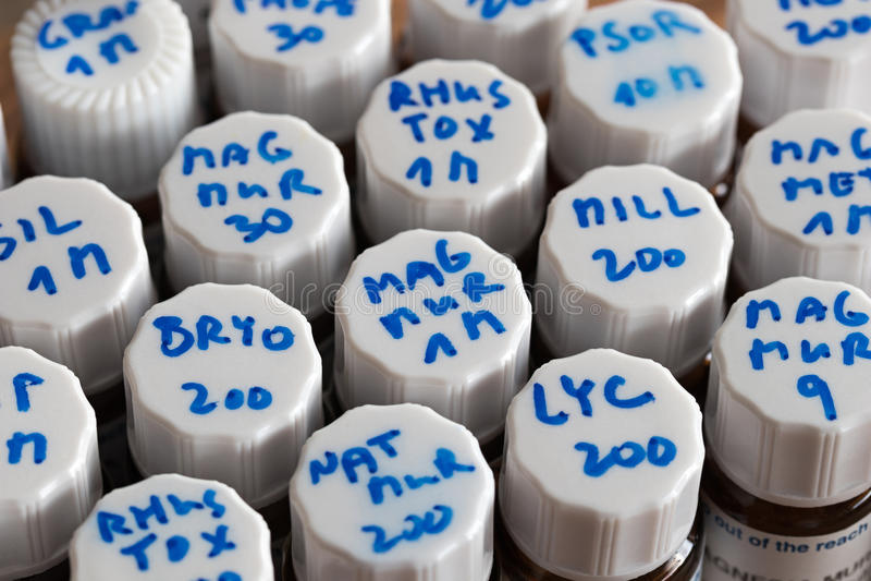 Homeopatycznego remedium zestaw - wybór homeopatyczni remedia zdjęcie stock