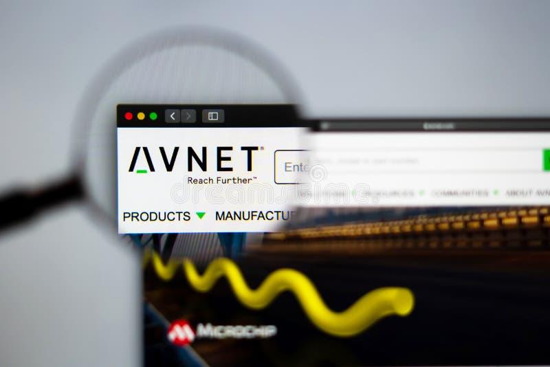 Homepage de la página web de la compañía de Avnet Ciérrese para arriba de logotipo de AVNET imágenes de archivo libres de regalías