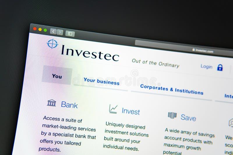 Homepage de la página web de la compañía de Investec Ciérrese para arriba del logotipo de Investec fotos de archivo