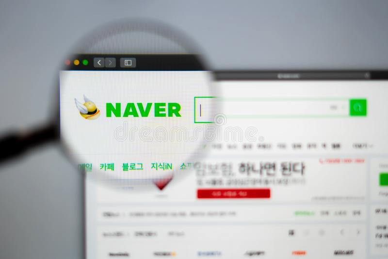Homepage de la página web de la compañía de Naver Ciérrese para arriba del logotipo de Naver Corporation foto de archivo libre de regalías