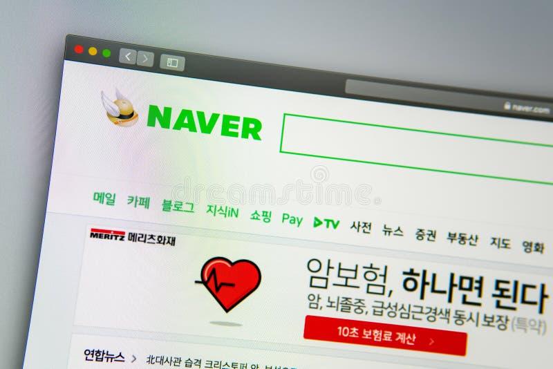 Homepage de la página web de la compañía de Naver Ciérrese para arriba del logotipo de Naver Corporation imagenes de archivo