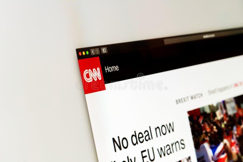 Homepage do Web site da notícia do CNN Feche acima do logotipo do canal de notícias do CNN imagem de stock